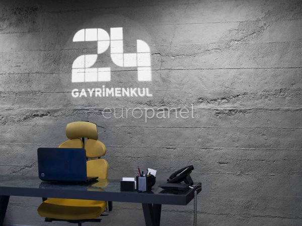 Europanel İle 24 Gayrimenkul Ofisinde Brüt Beton Etkisi